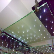 Потолок из стекла и зеркала - foto 4